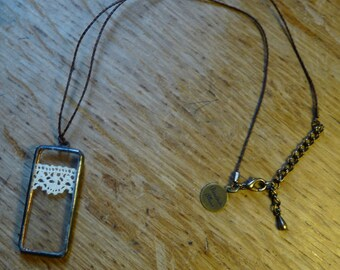 Rectangle pendant - 65 - antique lace and glass