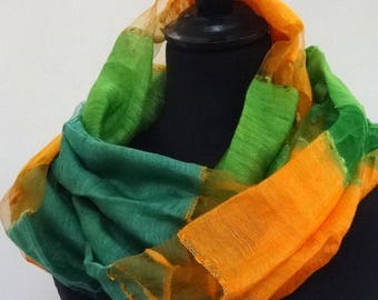 Large SNOOD, scarf, silk and polyester veil d yellow and green gold