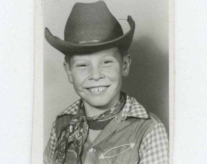 Vintage Mini-Portrait Photo: Young Cowboy (712631)