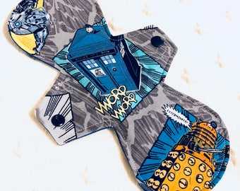 "10"" Moderate Absorbency dr who tartis"