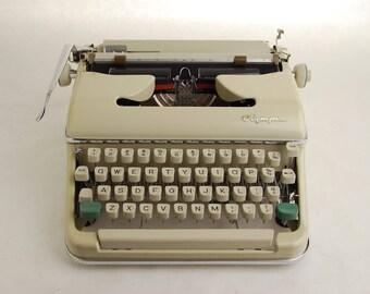 Typewriter Olympia SM5 White