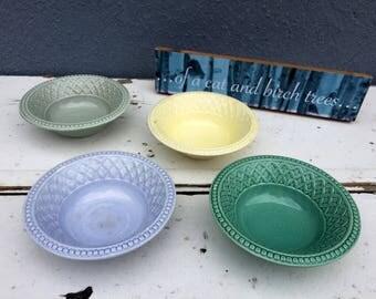 4 little pastel bowls