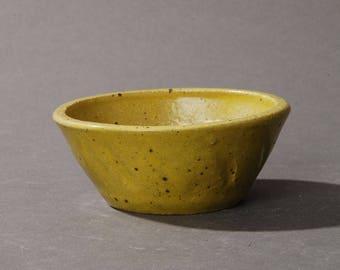 Mini Bonsai pot. Yellow