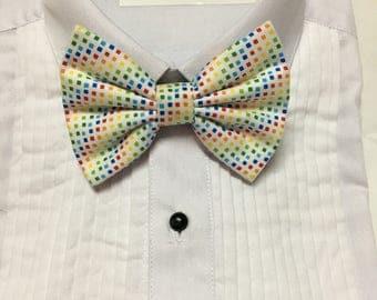Subtle Rainbow Diamond Pattern Print Bowtie / Bow Tie