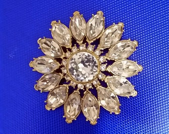 VINTAGE MONET RHINESTONE pin brooch