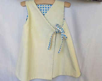 Reversible dress in pale yellow and cotton velvet with beige and blue dots 12/24 months