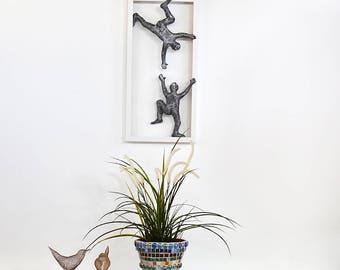 Climbing men, Metal wall art picture, Framed art,  Home decor, Wire mesh sculpture, modern art