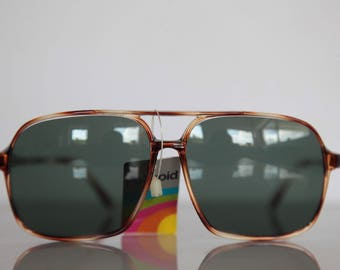 Vintage Polaroid Crystal Brown Frame,  Green Polarizing Lenses POLAROID LOOKERS 8214. Collectible. Made in France