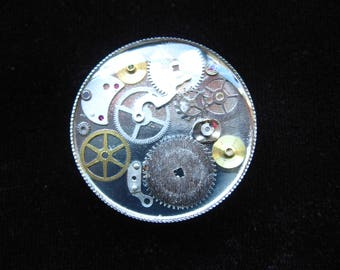 """Vintage Steampunk """"Gears of time"""" ring on silver background set in resin on an easily adjustable support - diameter 25 mm"""