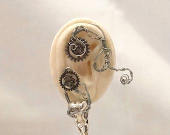 Steampunk Skull Wire Ear Wrap - Right Ear