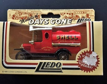 Lledo Days Gone Vintage Diecast Metal Ford Model T Van Advertising Shell Fuel Oil - New In Box Made in England 1983