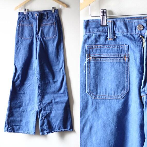 1970s bell bottom jeans // vintage bell bottom denim // vintage jeans