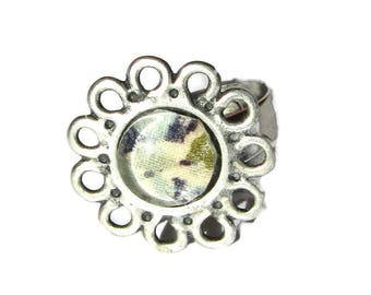 Antique silver backing, glass cabochon flower ring