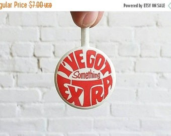 20% OFF Vintage I've got something extra Don Howard New York fold over collar lapel pin