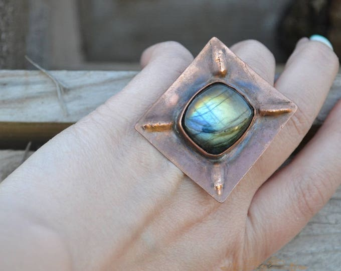 Square ring, labradorite ring, big large ring, copper ring, statement ring, metal ring, gemstone ring, labradorite jewelry, witchy ring