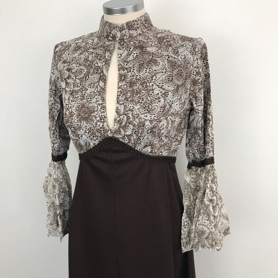 1960s maxi dress flared sleeves vintage lacy sexy keyhole neckline bodice A line skirt brown and white empire line UK 10 US 6 1970s