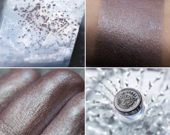 Eyeshadow: Battle Mage - MoonElf . Bronze-beige satin eyeshadow by SIGIL inspired.