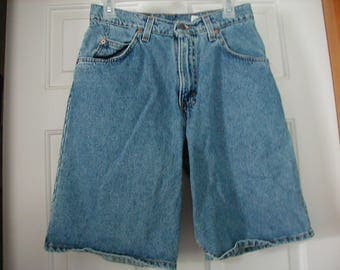 W@W!! 90's Me';s Levi denim shorts size 29 W very good vintage condition. Made in the U.S.A.
