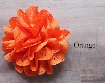 Eyelet flower in Orange