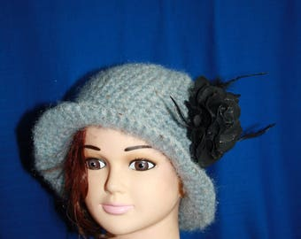 Hat with gray rim with black rose