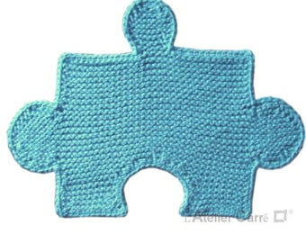 Puzzle insert, sky blue knitted placemat