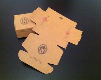 Gift-wrapped Midnatt cardboard box