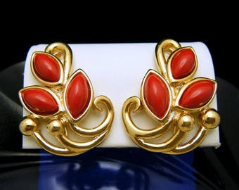 Trifari TM Vintage Red Lucite Gold Tone Clip On Earrings