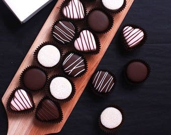 15 Assorted Alfajores With Gift Box