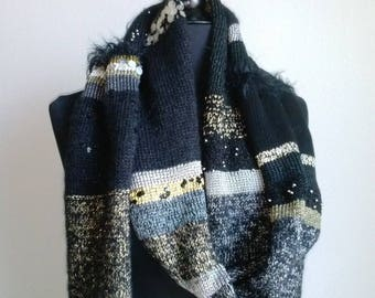 Long scarf multi-material, shades of black, iridescent, grey, GL entry
