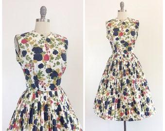 50s Floral Cotton Dress / 1950s Vintage Sun Summer Day Dress / Medium / Size 6