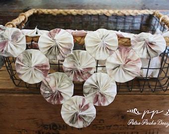 Yo-yo flowers blanket, baby, girl, spring/summer, floral, tan/purple, flowers, photo prop