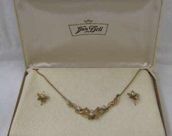 Excellent Mid Century VAN DELL 12K Gold Filled and Pearl Demi Parure, Original Presentation Box, Necklace and Matching Screw Back Earrings