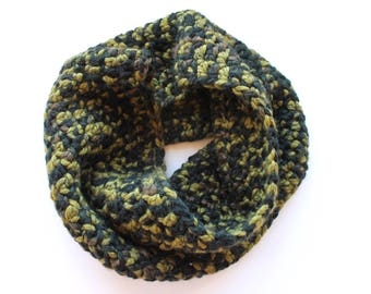 Camo infinity scarf, multicolor cowl scarf, came crochet scarf, green wool scarf, variegated scarf, crochet scarf, knit scarf