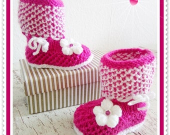 Baby Boots knitted baby shoes pink white handmade