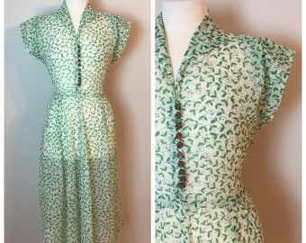 Vintage 40's Sheer Waffle fabric  Day Dress