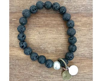 Black Essential Oil Diffuser Bracelet / Essential Oil Jewelry / Essential Oil Diffuser / Yoga Bracelet / Essential Oil Bracelet / Lava Stone