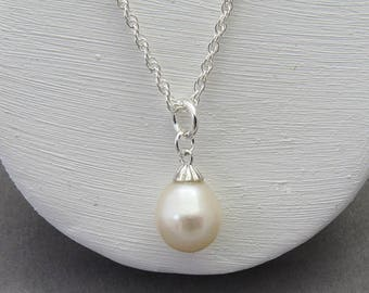 Pearl Drop Necklace, Pearl Wedding Necklace, Single Pearl Necklace, Bridesmaid Necklace Pearl Pendant, Solitaire Necklace