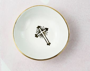 Round Ring Dish with Cross Design with 22K gold