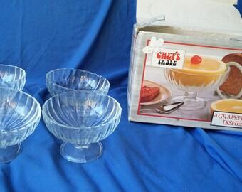Vintage Retro Set of 4 Boxed 1980's Pressed Glass Grapefruit Bowls.