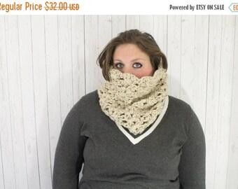 BTS Sale The Maggie Crochet Chunky Cowl, Crochet Cowl,  Crochet Cowl Neckwarmer in Oatmeal, Wool Blend
