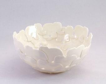 Porcelain Dish of elephants, round, hand-made