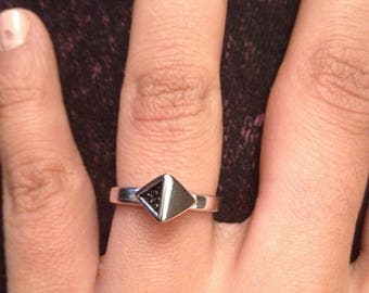 """Ring pyramid """"Cheops"""" Silver 925/1000 and black Stingray."""