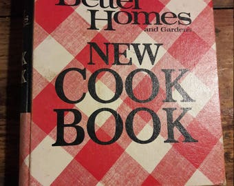 Better Homes and Gardens Cookbook - 1976 Midcentury Cook Books - 70s Kitchen Decor for Home Decorating - Beautiful Antique Food Photography