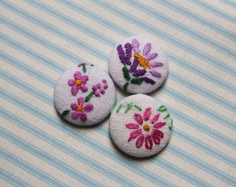 Floral Fabric Buttons Vintage Embroidery Embroidered Covered Button Shabby Cottage Chic Flower 1 1/8 inch Pillow Buttons Upcycled Home Decor