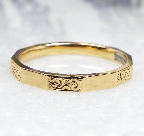 Vintage 1953 18ct Gold HG&S Fidelity Art Deco Engraved Polygon Wedding Band Ring / Size O