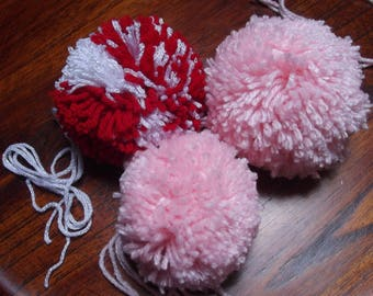 wool PomPoms 100mm diameter, 85mm and 65mm in a set of 3 units