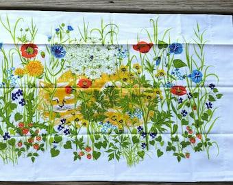 RARE 70's Fieldcrest Cat Flower Garden Pillowcases Set of 2, Garden Kitty Pillowcases, Sleeping Cat Pillowcases, Luxury Muslin
