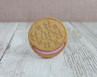 Sandwich Cookies - White Oreo Cookie - Strawberry Frosting - Lapel Pin
