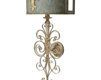Wall Sconce Wrought Iron and fleur des lis Vintage Style Lighting