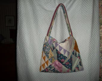 bag to carry her sewing that can be wear as a shoulder strap